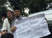 Ahmad-Dhani-di-demo-4-November-730x355.jpg